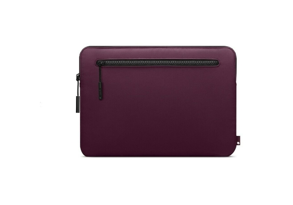 Incase Compact Sleeve For Laptops MacBook Pro 15  Limited Aubergine