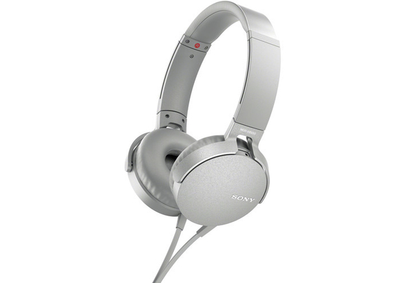 Sony MDR-XB550AP EXTRA BASS Over-Ear Headphones with Mic for phone call, White