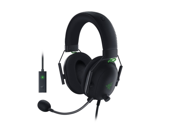 Razer Blackshark V2 Multi-platform wired esports headset with USB Sound Card