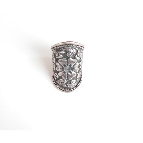 92.5 SILVER CARVING RING