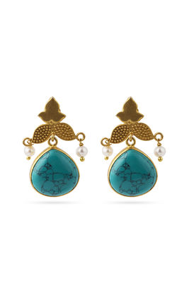 Turquoise stone earrings with pearls