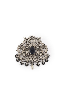 BLACK CARVING WHITE KUNDAN AASHNA PEACOCK PENDANT SET