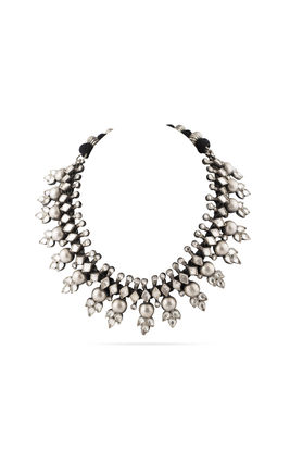 WHITE KUNDAN PLAIN BALL AASHNA NECKLACE