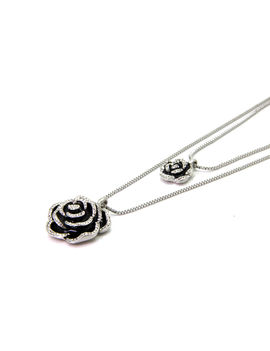 Eternz long chain with two strands and rose pendants for Women
