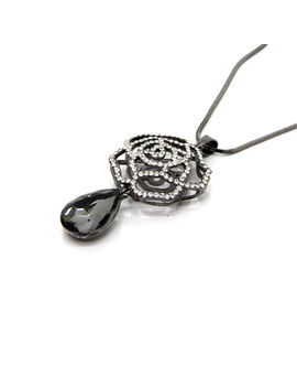 Eternz Rhodium plated long chain with flower and stone type pendant for Women