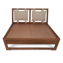 Legend Queen Bed, Cappucinno