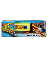 Hot Wheels Crashing Rig, Age 3+